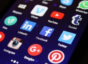 SocialMediaScreen